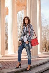 the bow-tie,coat,jeans,t-shirt,bag,shoes