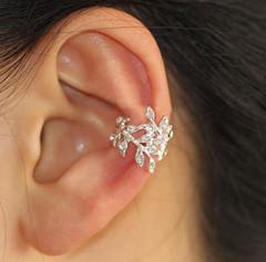 Glittering leaves rhinestone ear cuff (single, no piercing)