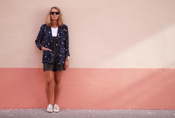 jane's sneak peak blogger jacket top jewels sunglasses