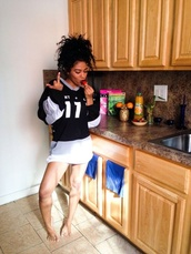 london zhiloh,jersey,shirt,middle finger,black and white,natural hair,curly hair,strawberry,hoodie,hoodie dress,grey,white,black,dope,outfit,african american,black girls killin it