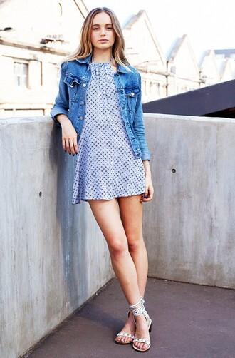 jacket grey polka dot dress denim jacket white sandals blogger
