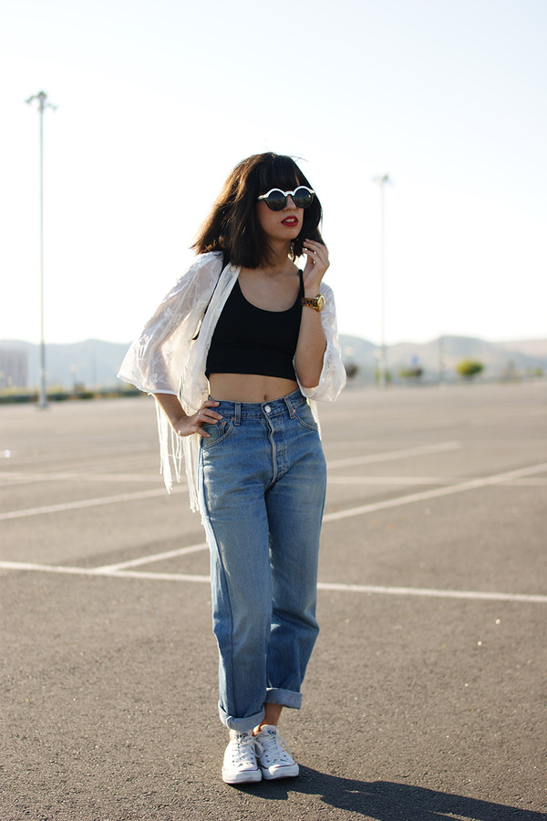 vintage shoes for her sunglasses t-shirt jeans shoes