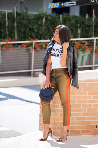 jadore-fashion blogger pants t-shirt bag shoes fall outfits leather jacket pumps high heel pumps