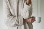 sweater,cozy,oversized sweater,tumblr,white,comfy