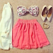 white,floral,flowers,high heels,heels,pointed toe,lace,coral,pink,skirt,sweater,jewels,swimwear,shoes,top,tank top,bow top,girly,sweet,lace top,summer top,white top,cut top,dress,bow,cardigan,blouse,love,beautiful,bluse