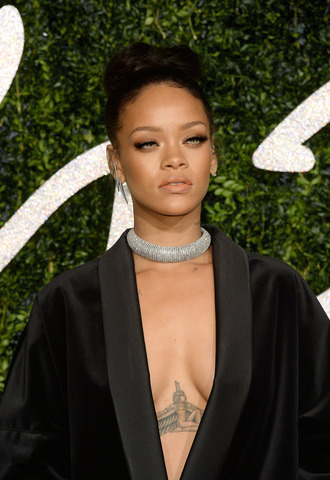 necklace rihanna diamonds