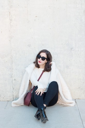 adventures in fashion blogger coat sweater jeans bag sunglasses shoes jewels fuzzy coat white fluffy coat fluffy crossbody bag black sunglasses