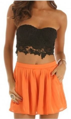 Magnificent & lacey crop top