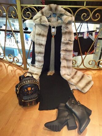 shoes boots black boots little black dress black black bag statement backpack fur little black boots black dress statement statement bag backpack black backpack eco fur necklace long necklace classy stylish feminine aristocratic