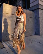 top,silk,backless,midi skirt,asymmetrical skirt,floral skirt,sandals,wrap ruffle skirt