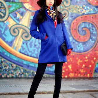 red scarf coat blue blogger aibina's blog felt hat pouch gloves scarf red