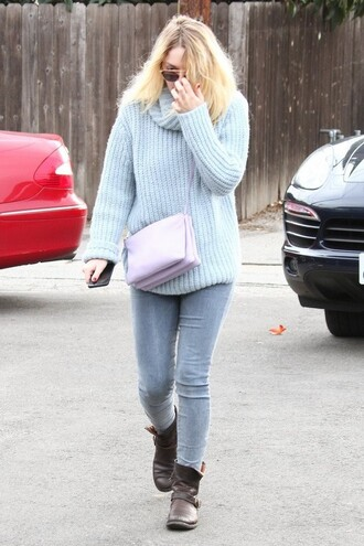 winter sweater dakota fanning bag