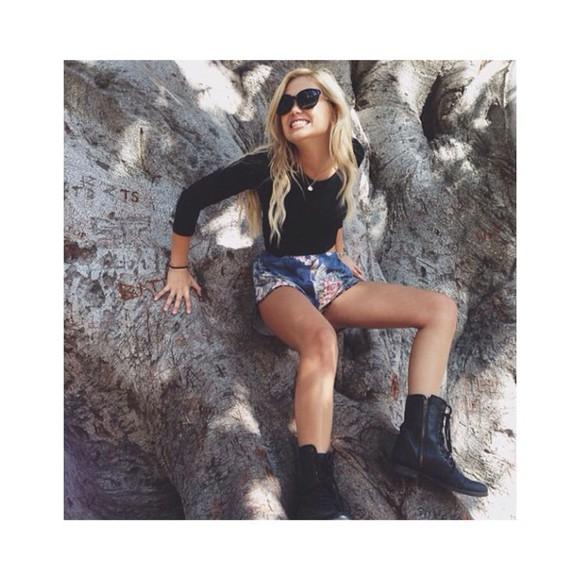 disney olivia holt girl vintage streetwear blonde hair stars