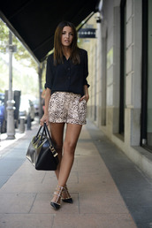 shoes,shorts,heels