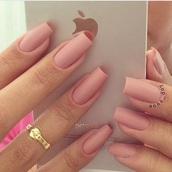nail polish,nude,nails