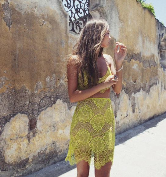 green model top skirt ligh green moda designers famous instagram facebook fashion model tank top skirt yellow yellow skirt lace summer outfits suit dress yellow crochet two-piece green, yellow, mustard, lace, skirt, beach, fake, light crop tops hight waisted skirt
