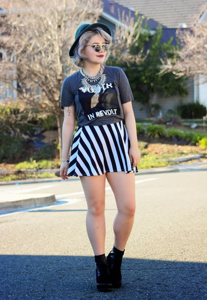 broke hell blogger hat striped skirt graphic tee mini skirt