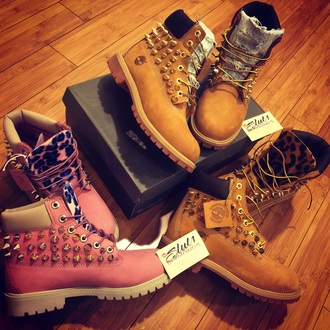 shoes leopard timberland boots spiked timberlands boots leopard timberlands leopard print timberlands timberlands floral pink timberlands pink boots pink leopard timbelands spikes