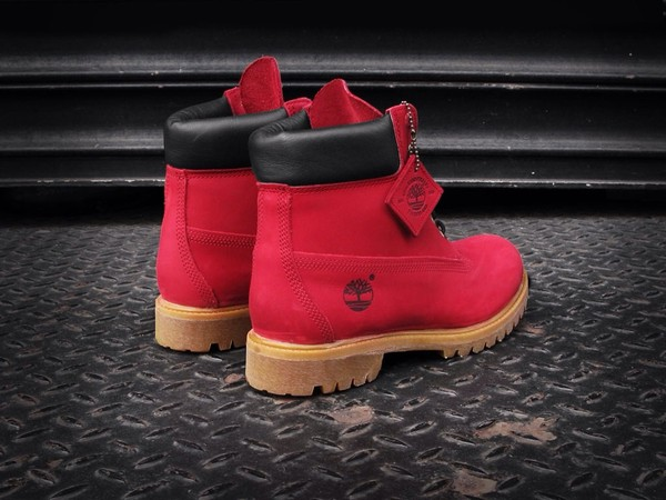 shoes red timberlands boys size 6.