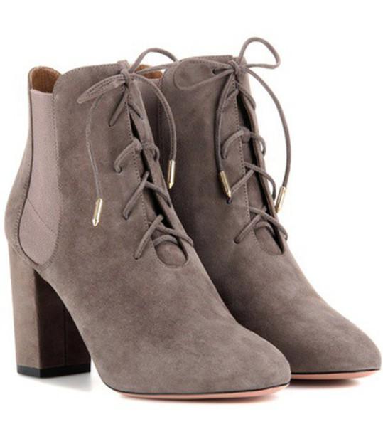 Aquazzura Victoria Bootie 85 Suede Ankle Boots in grey