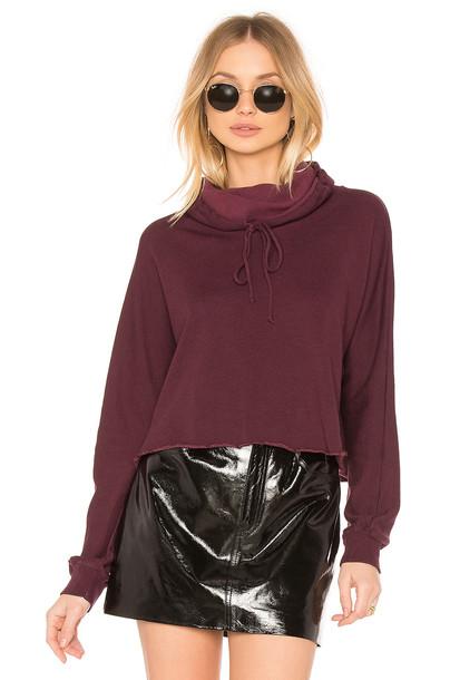 sweatshirt burgundy sweater