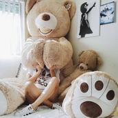 giant teddy bear,teddy bear,stuffed animal