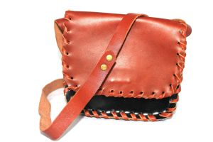 Handmade unique shoulderbag - Shopaffaire - handcrafted sieraden en leren tassen.