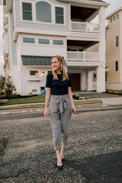 ab499cf282ae kelly in the city - a preppy chicago life style and fashion blog blogger  pants t