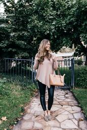 mint arrow,blogger,sweater,shoes,leggings,bag