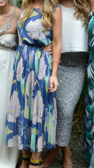 dress blue floral pleated pattern