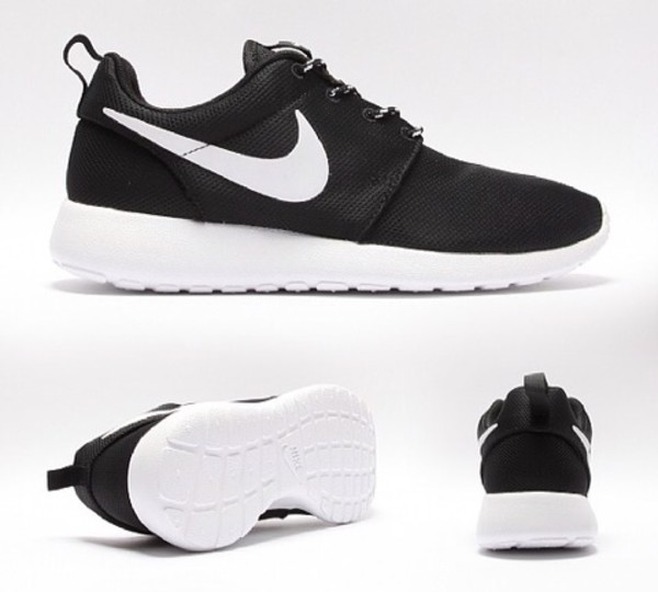 shoes i am looking for black roshes with a  white  tick. i need them in a size 4 or 5 i live in leeds so i