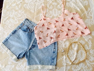 denim shorts denim shorts levi's levi's shorts lace up lace shorts lace fox head camo hat fox pink pink top with a bow pink crop blouse pink crop top crop tops tank top chain chain necklace gold necklace gold golden slogan ear cuff earrings h&m floral short sleeve blouse pants