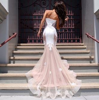 dress white white dress mesh mesh dress mermaid prom dress mermaid wedding dresses flowy dress prom dress prom long prom dress long dress strapless strapless prom dress strapless dress