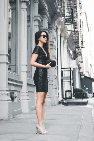 wendy's lookbook blogger dress shoes bag sunglasses jewels black dress mini dress clutch sandals high heel sandals