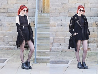hannah louise fashion blogger cardigan studded jacket fringed bag kimono pleated skirt