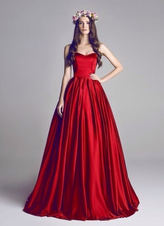 dress red prom prom dress satin strapless wedding red dress sexy graduation dress formal dress evening dress fashion dess strapless dress style long prom dress maxi dress sleeveless dess long dress
