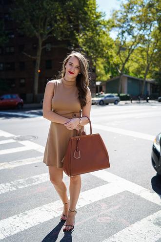 covering bases curvy blogger dress shoes bag coat make-up jewels