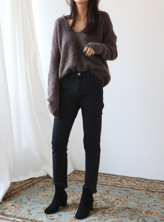 sweater tumblr v neck grey sweater denim jeans black jeans boots black boots ankle boots mid heel boots