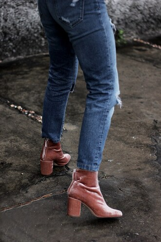 shoes tumblr boots thick heel block heels pink boots ankle boots velvet velvet ankle boots velvet boots velvet shoes denim jeans blue jeans ripped jeans