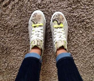 yellow shoes sneakers baskets python