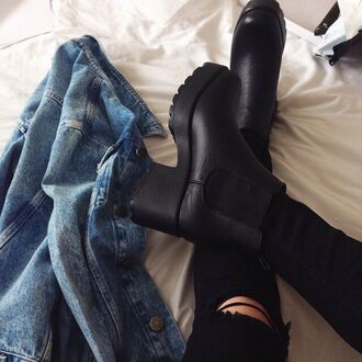 shoes grunge coat black black boots platform boots black shoes boots chunky jacket trendy soft grunge jeans 90s style fashion hipster tumblr aesthetic instagram bambi brown black jeans blue jeans jacket white blue skin high heels boots thick heel ripped jeans