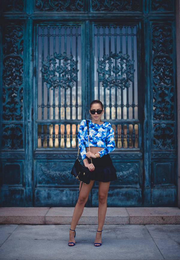kenza skirt top bag shoes sunglasses jewels date outfit blue top blue crop top