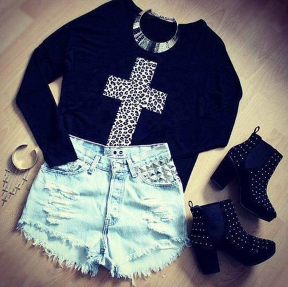 cross shirt shoes cut off shorts High waisted shorts shorts high heels studded shoes leopard print