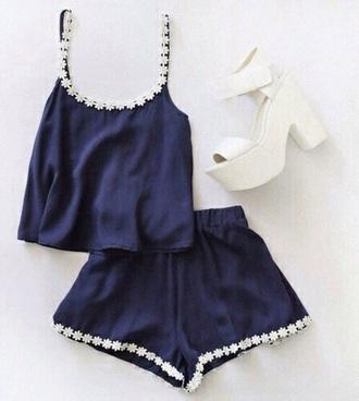 shorts navy daisies top heels holidays blouse