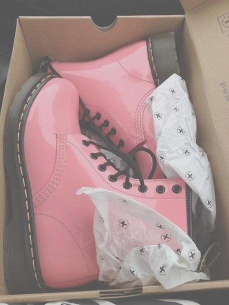 shoes DrMartens pastel pink pastel alternative hipster grunge