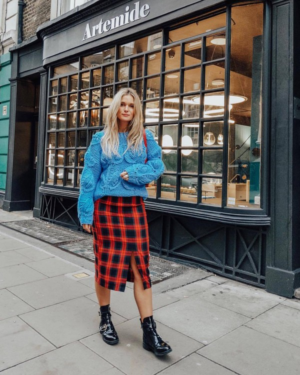 skirt plaid skirt blue sweater oversized sweater ankle boots black boots