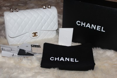 Chanel jumbo handbag classic quilted flap 2.55 caviar
