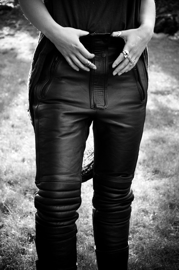 pantalon en cuir collection pantalons collection femme zara france. Black Bedroom Furniture Sets. Home Design Ideas