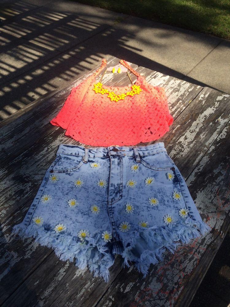 High waisted acid wash daisy shorts