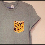 t-shirt,grey,pockets,pocket pattern,yellow pattern,grey t-shirt,pocket t-shirt,pattern,yellow flower,sunflower,top,pocket shirt
